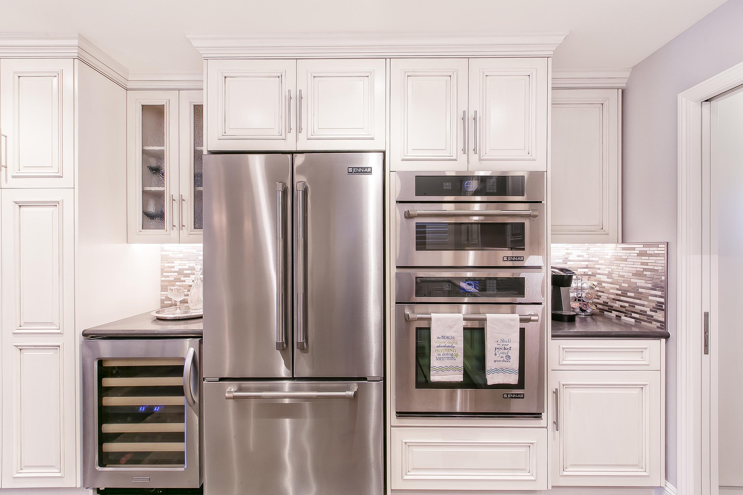 Bolinas kitchen 1.jpg