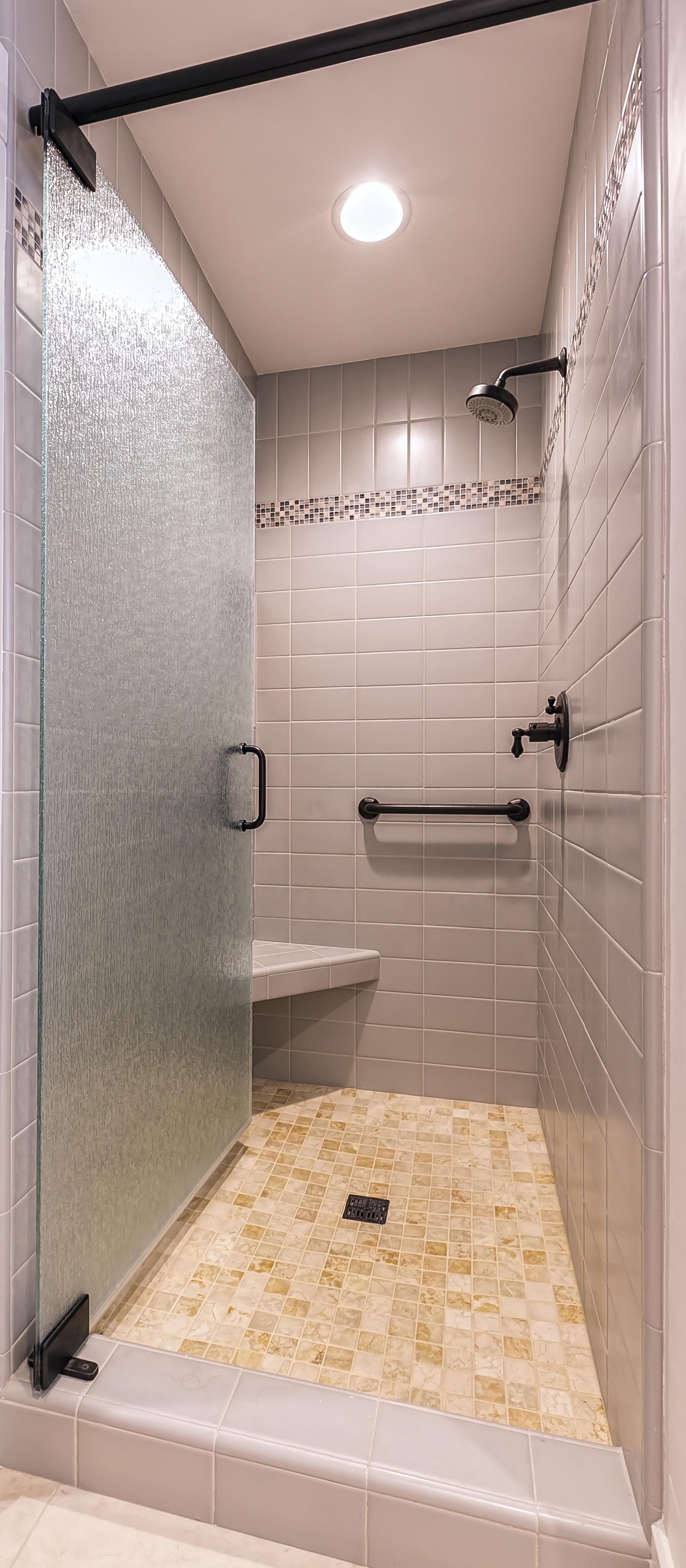 Cayucos Bathroom 1.jpg