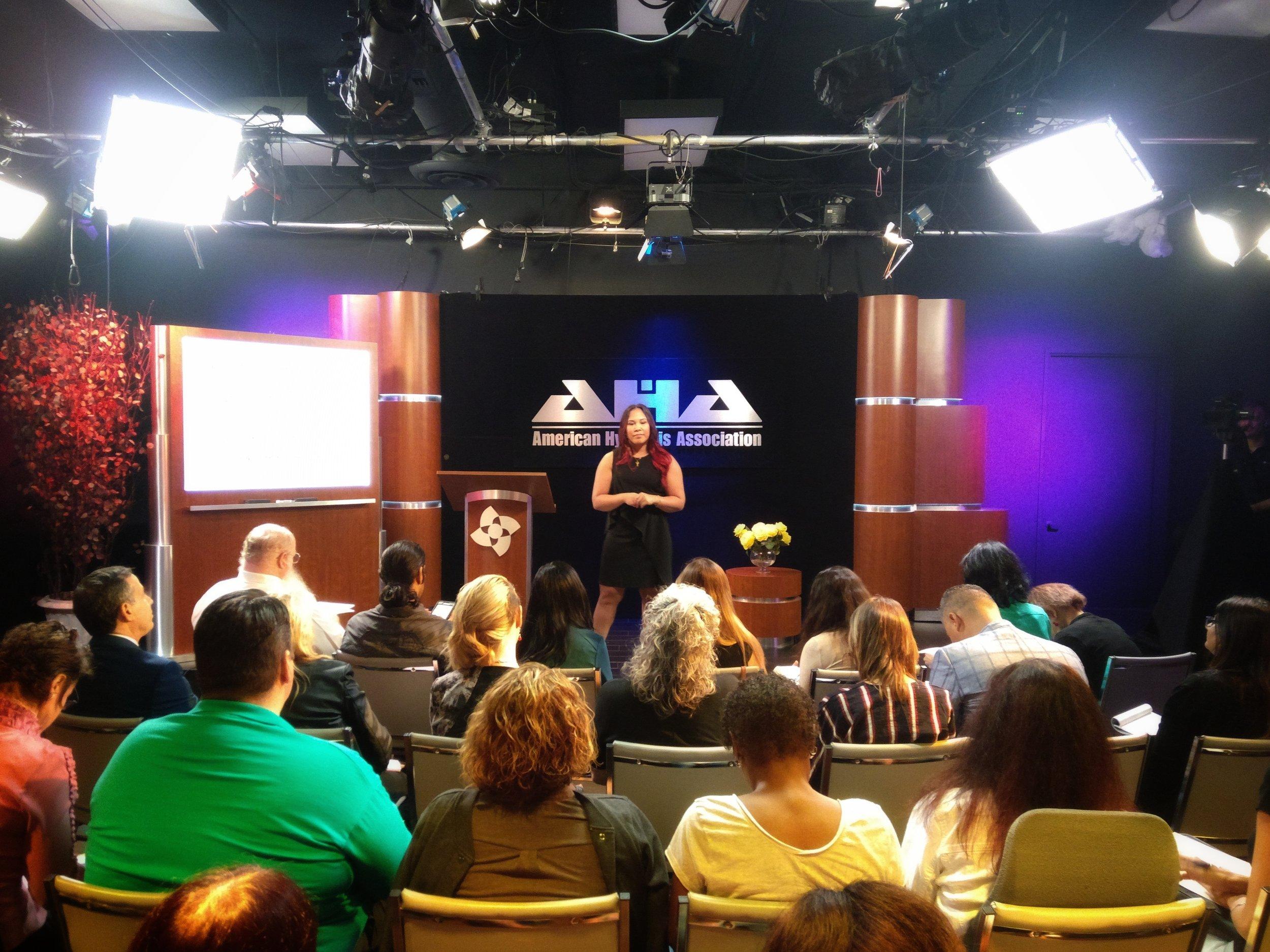 Amelia Fortes American Hypnosis Association.JPEG