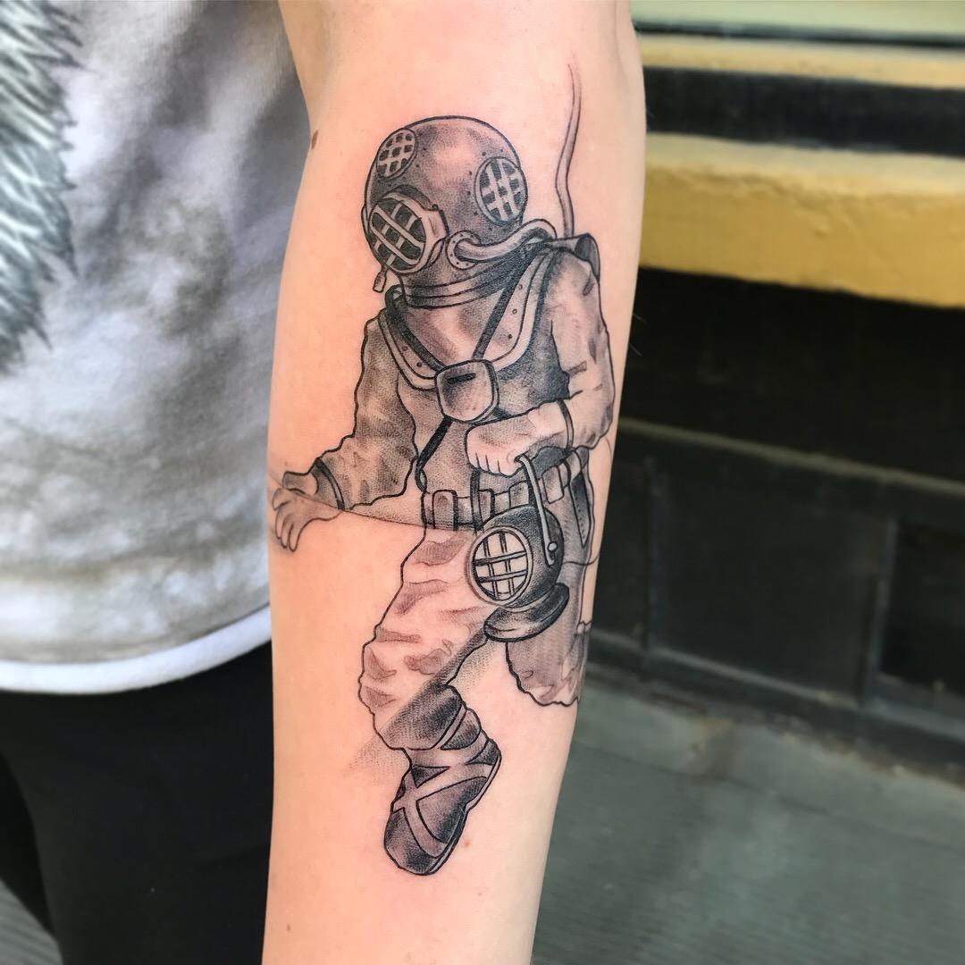 bg Justin Turkus Philadelphia fine line lettering best tattoo Artist diver deep sea lantern black grey sleeve fullsize.jpg