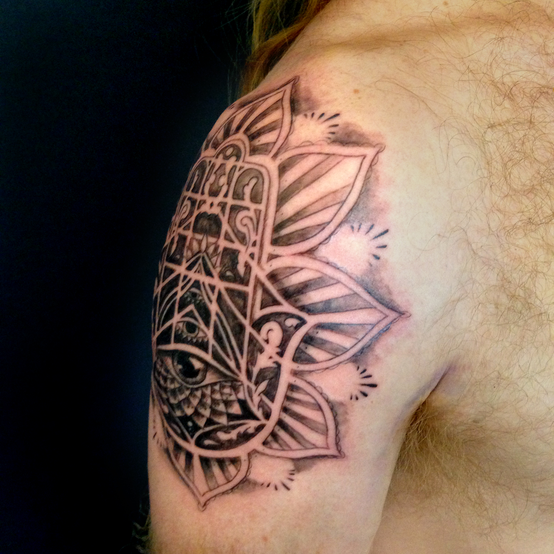 bg Justin Turkus Philadelphia fine line lettering best tattoo Artist hamsa side ben fullsize.jpg