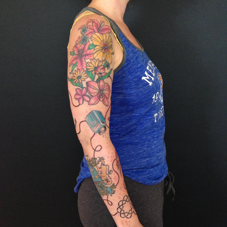 color Justin Turkus Philadelphia fine line lettering tattoo artist carrie sleeve flowers rope salt outside.jpg
