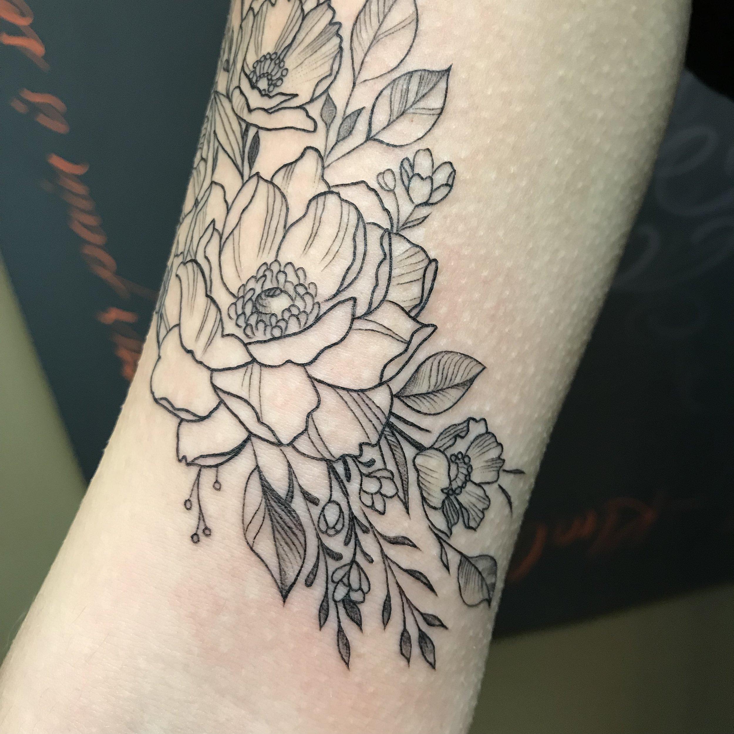fineline floral upper arm peonies detail Turkus January 2019.jpg