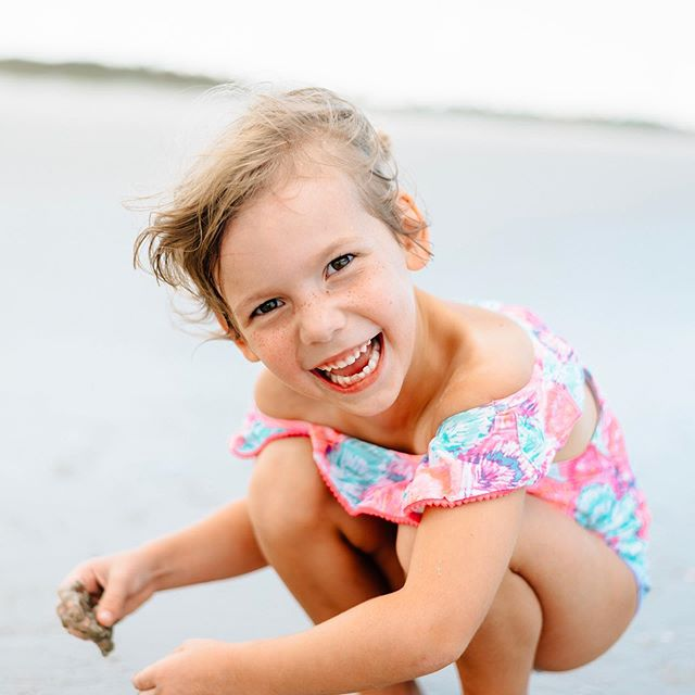 Took this of Hannah on the beach the other day and it took my breath away. 😍 Her smile has absolutely, from day one (at 3 weeks old!) made me smile back. This baby is about to be a Kindergartener in a couple weeks and I'm not ready 😭 (but also, because I'm her teacher, I'm literally NOT ready 🙈😂) #hannahleighgram