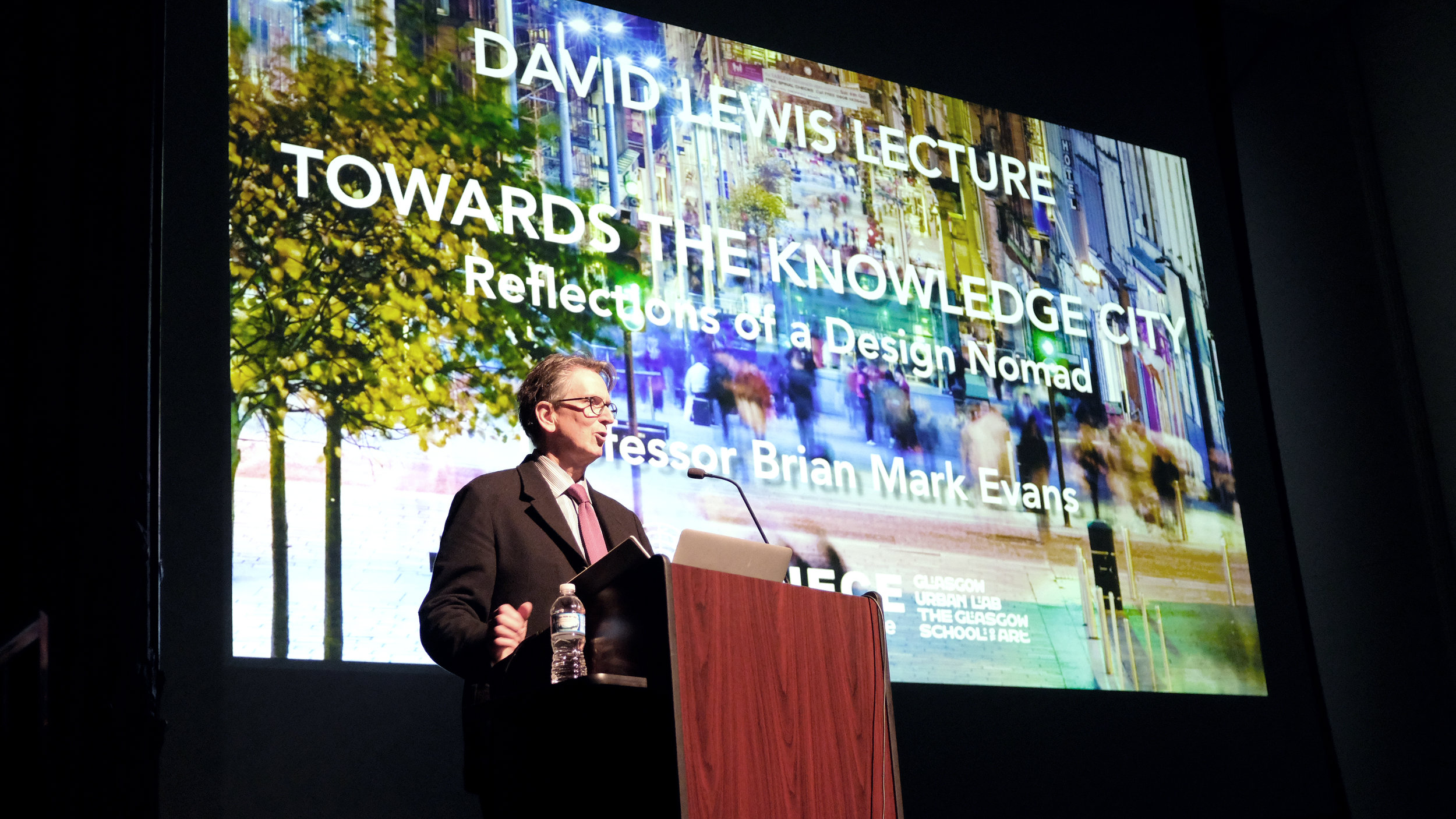 Brian Evans, Professor and Head of Urbanism at the Glasgow School of Art, Director of the Glasgow Urban Lab, and leader of the UN Charter Centre in Glasgow, shared his work with students, faculty, and guests at Kresge Theatre on Monday, 22 October 2018. Photo by Christina Brown.