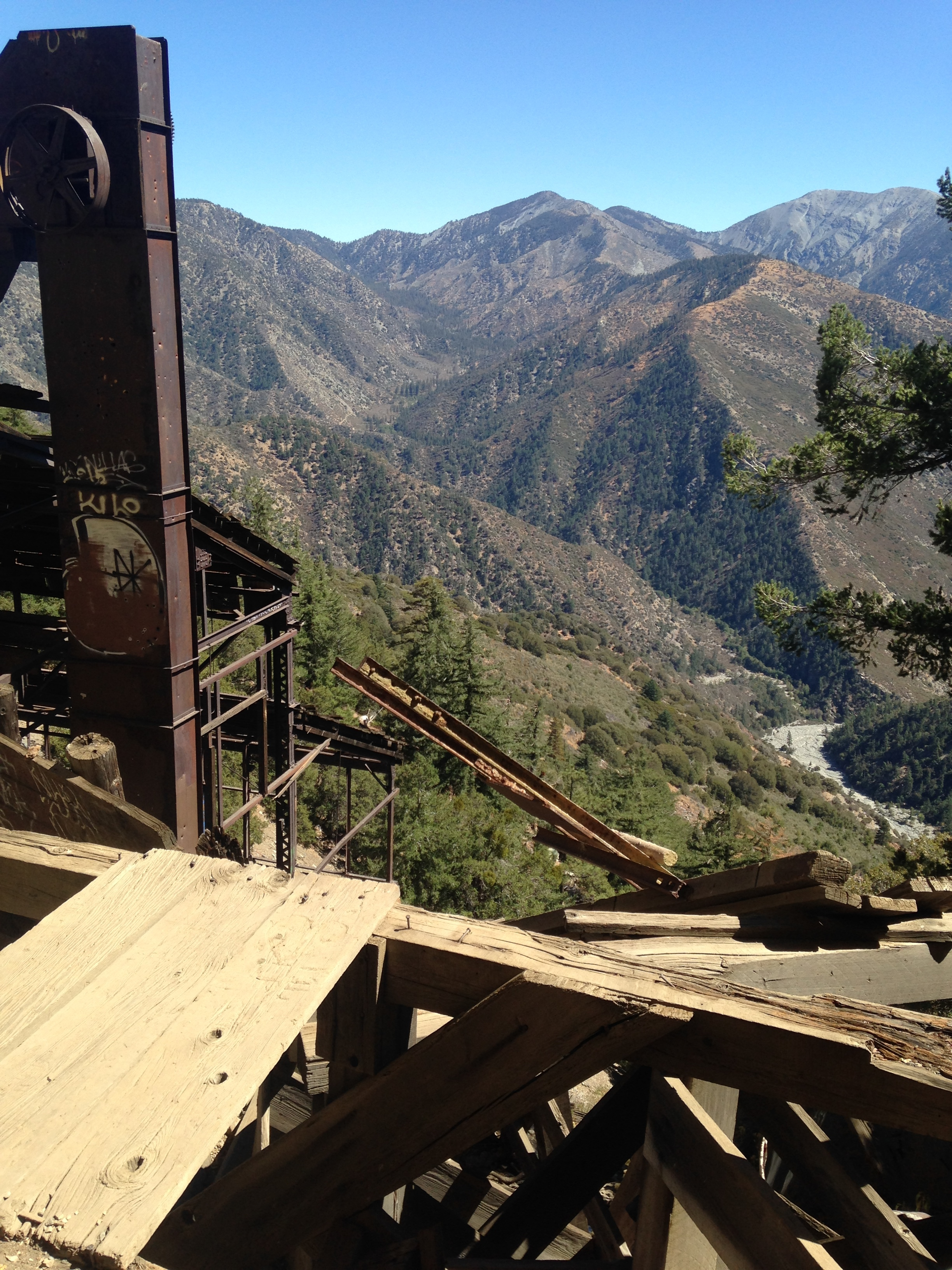 You had to climb what was left of the mine's structural support to get to the tunnels, but once you got up there it was definitely a great sight. Fun fact, while I was climbing up the steel beams I cut my head on a beam I didn't see. It felt amazing........