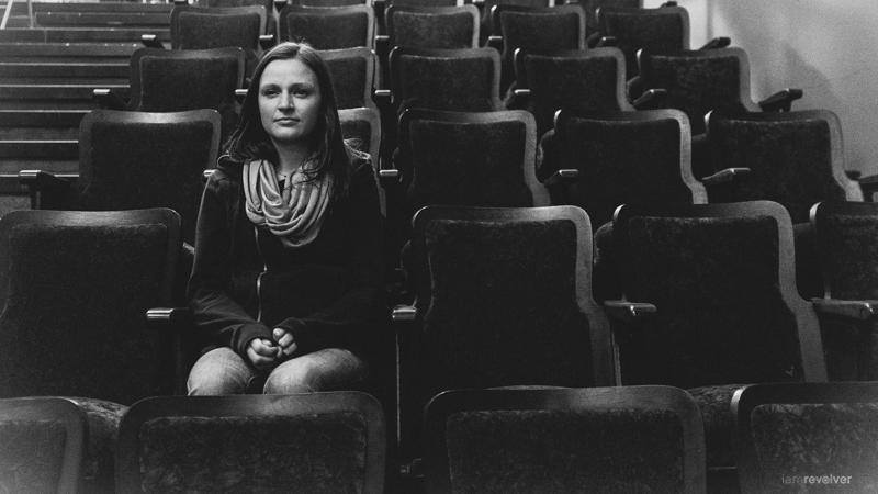 Quiet in the theater/museum