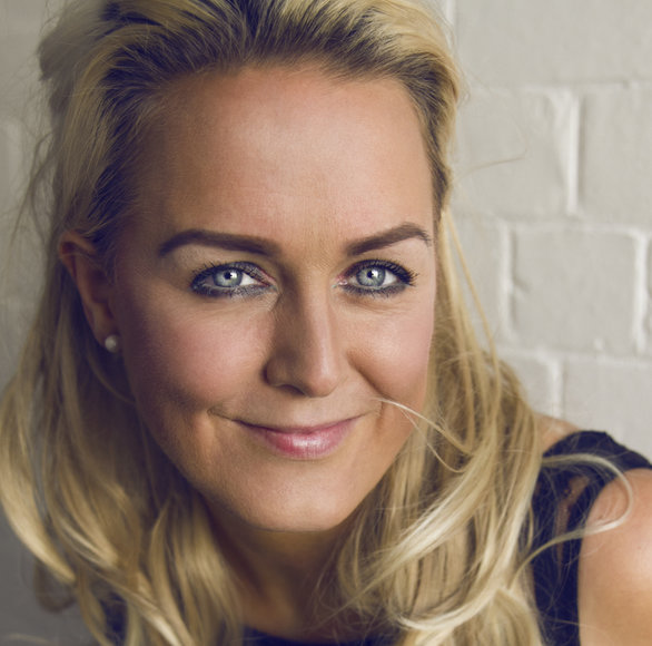 Emma_leighton_founder of Divine Makeup.jpg