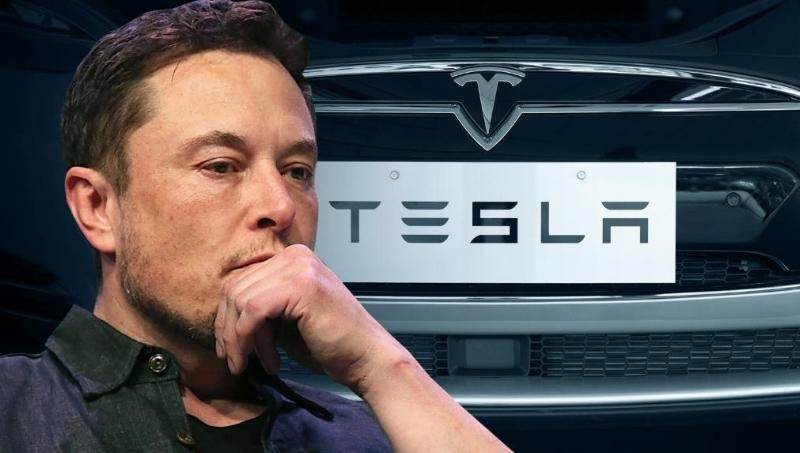 Elon Musk and Apple.jpg