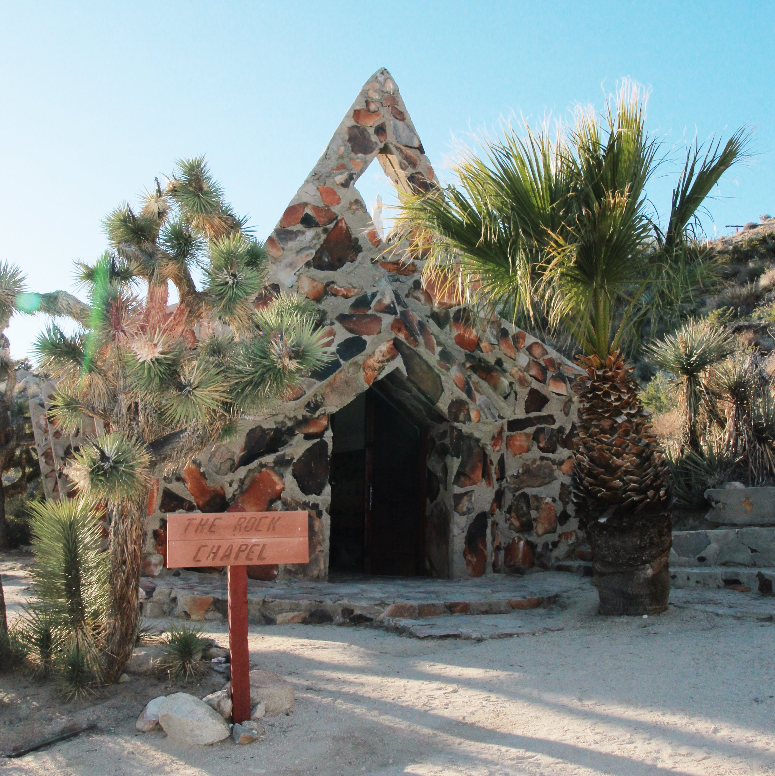 chrissihernandez-california-yuccavalley-desertchristpark (7).JPG