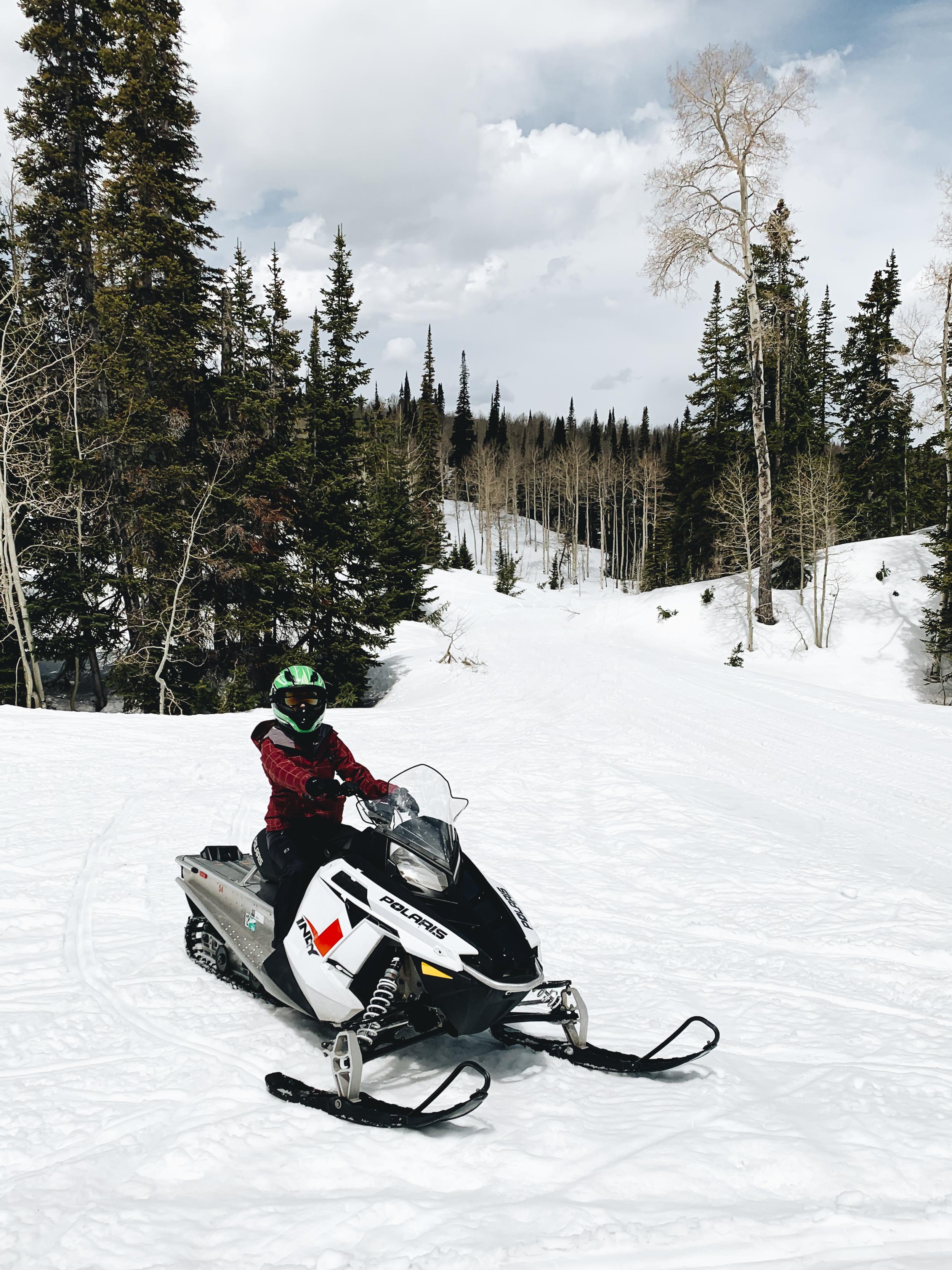 chrissihernandez-utah-parkcity-snowmobiling (20)copy2500.jpg