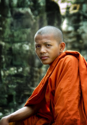 monk_at_temple_cambodia.jpg