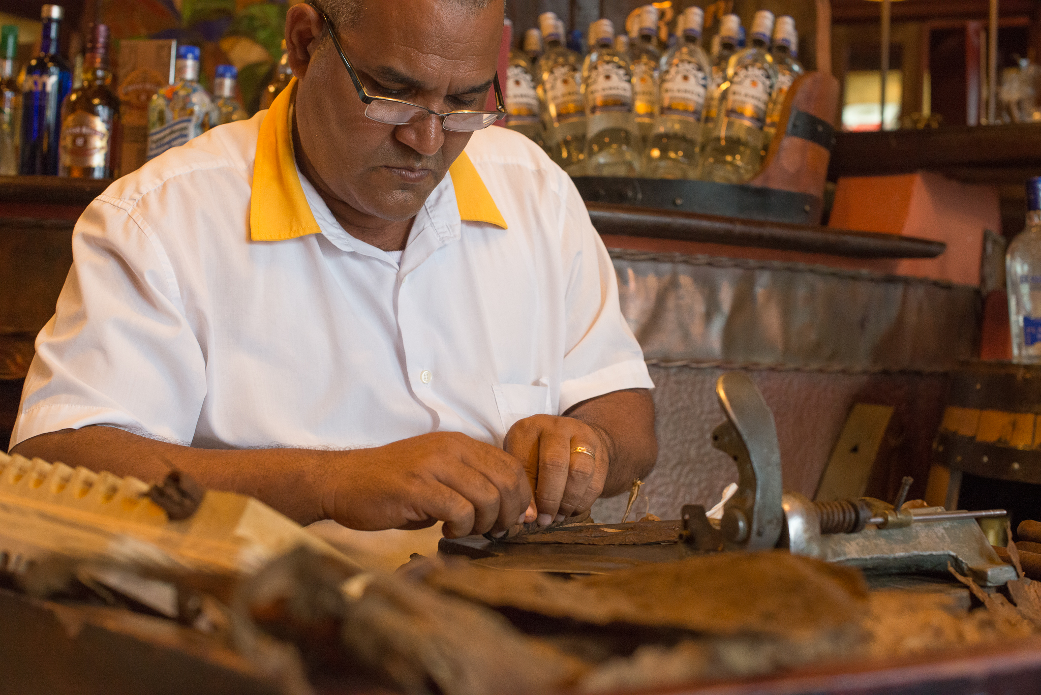 Nelson Making Us Cigars...