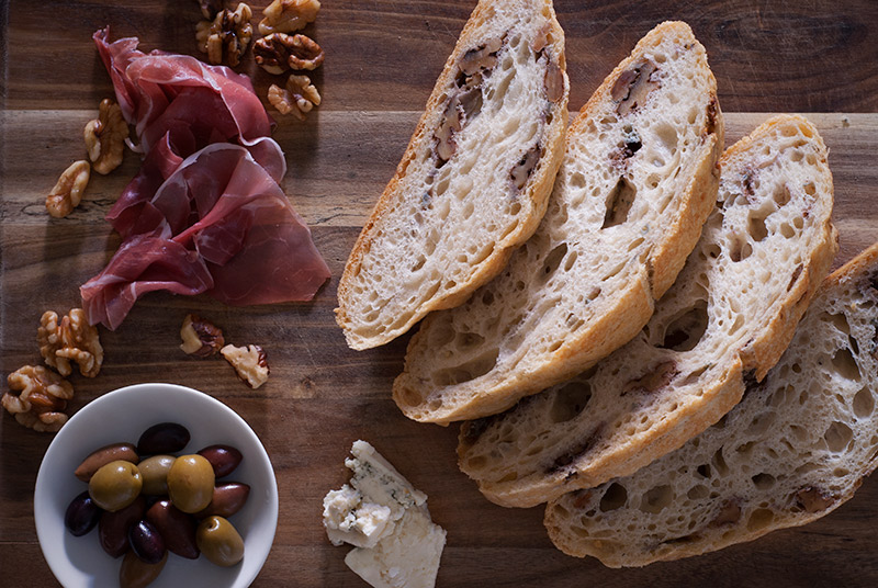 No Knead Bread: Walnut & Blue Cheese   www.breadandbrushstrokes.com