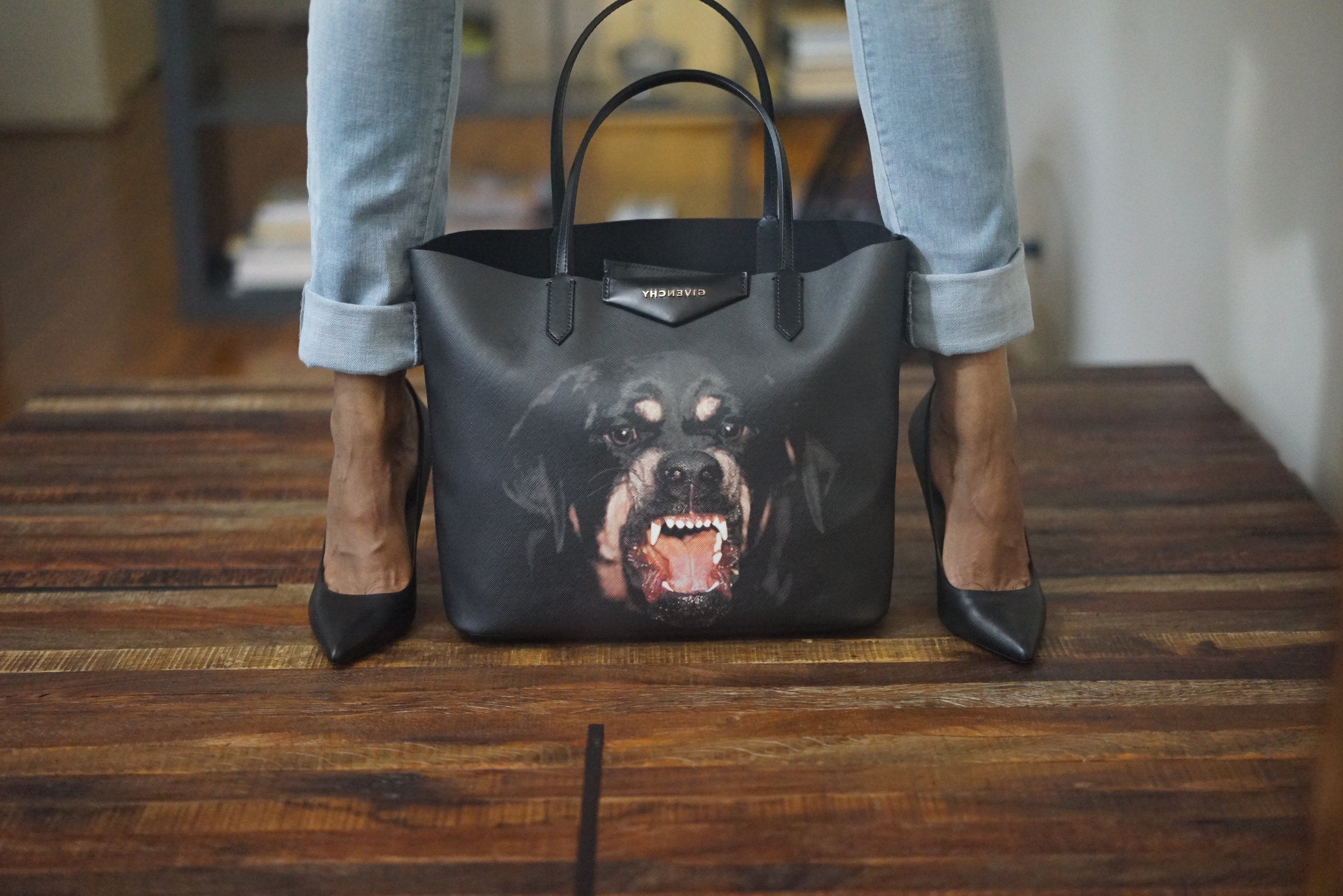 Christine_the_style_d'affaire_givenchy_tote_bag_mood.jpg