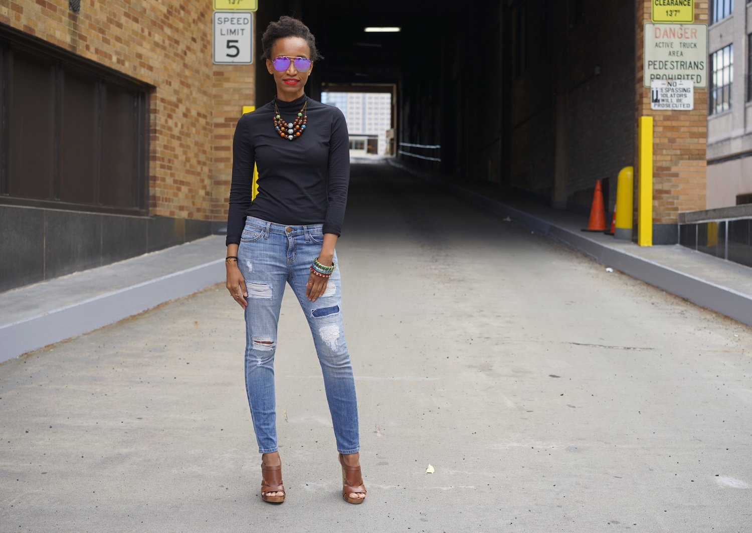 Christine_The_Syle_D'affaire_nyfw_yigal_azrouel_turtleneck_hudson_jeans_ripped_jeans_bangles_dolce_gabanna_wedges_mainsi_sunglasses_jacquie_aiche.jpg