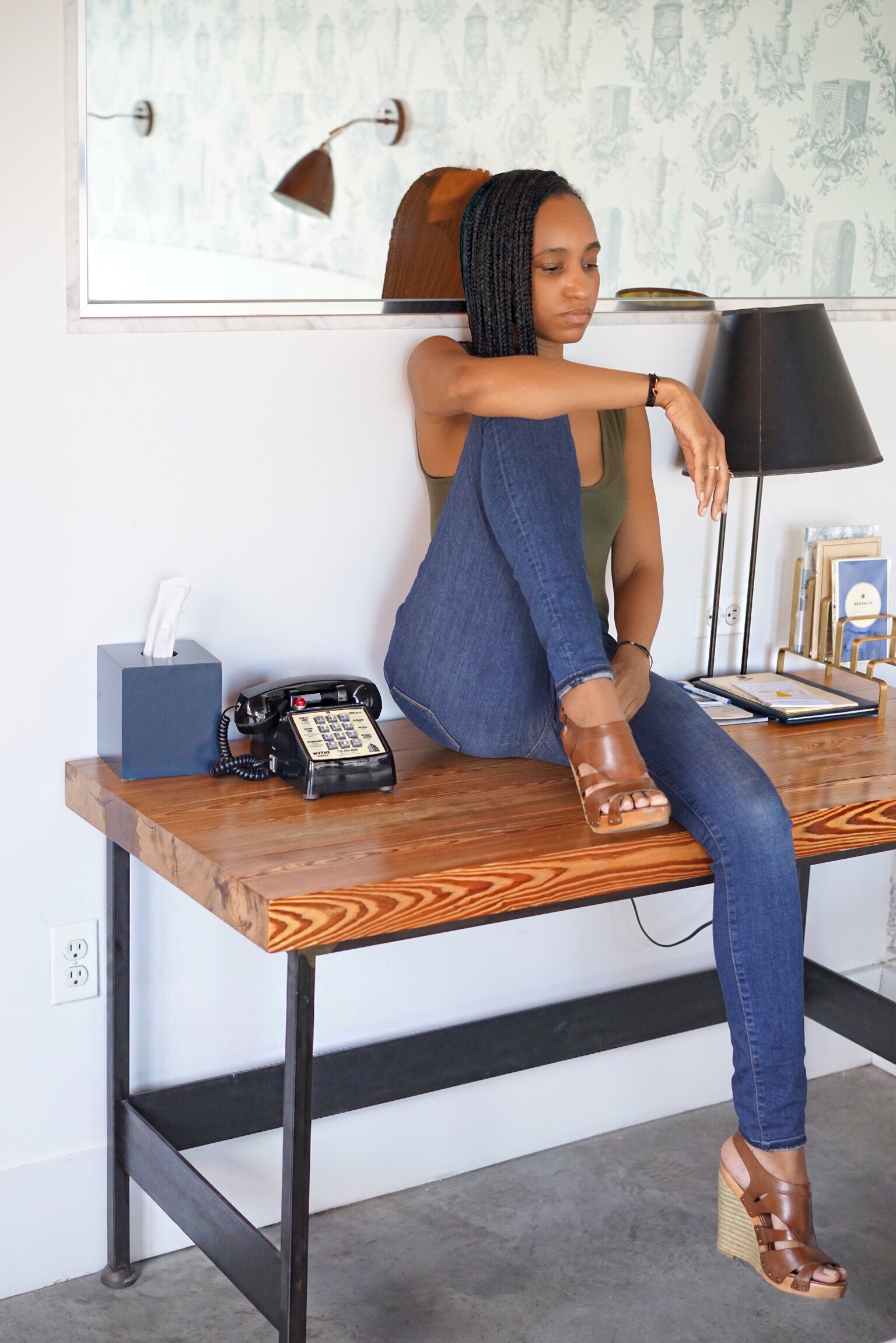 christine_the_style_d_affaire_wythe_hotel_l_agence_jeans_free_people_bodysuit.jpg