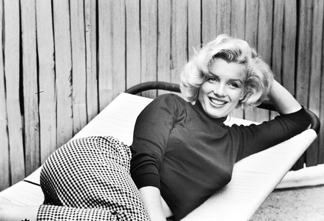 marilyn-monroe-black-turtleneck.jpg
