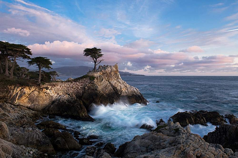 pebble-beach-lone-cypress-2b.jpg