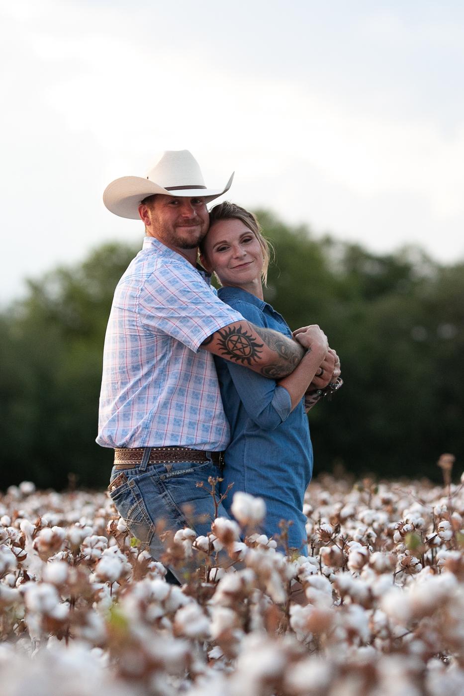 cotton-field-couple-portrait-mini-session-san-antonio-lytle-1.jpg