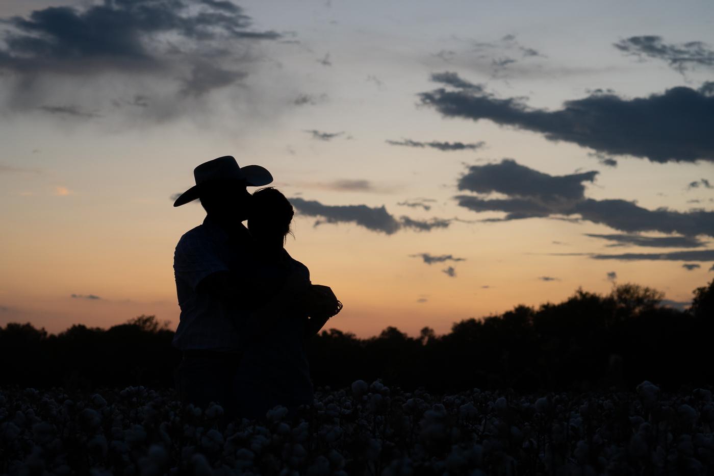 cotton-field-couple-portrait-mini-session-san-antonio-lytle-5.jpg
