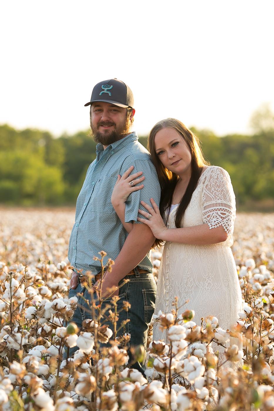 couples-cotton-field-portrait-mini-session-san-antonio-lytle.jpg