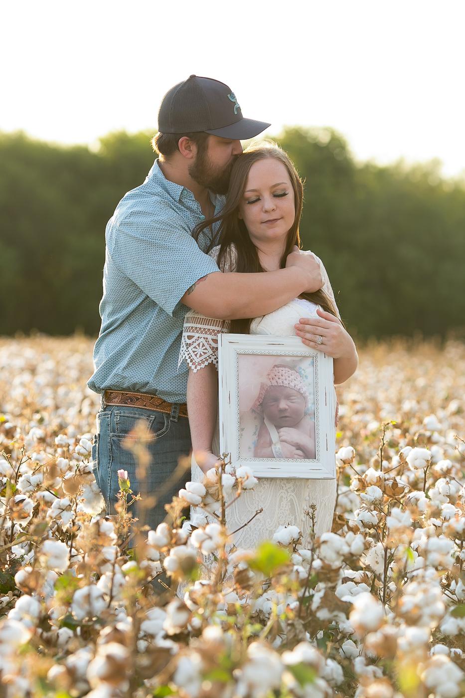 couples-cotton-field-portrait-mini-session-san-antonio-lytle-2.jpg
