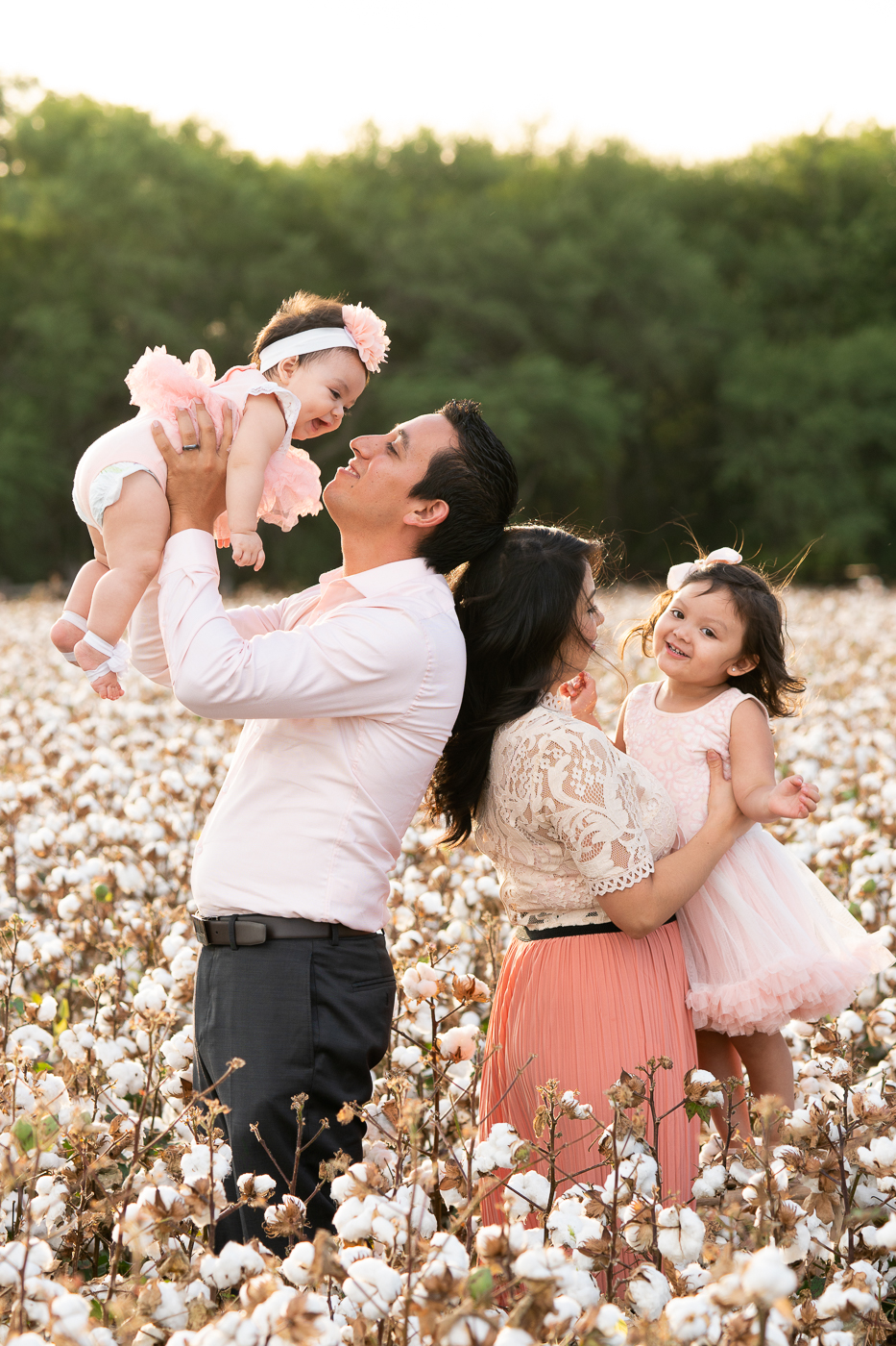 lytle-san-antonio-cotton-field-portrait-mini-session-family-1.jpg