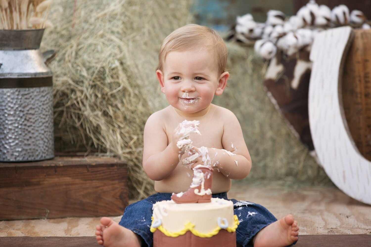 cowboy-cake-smash-san-antonio-texas-lytle-photoshoot.jpg