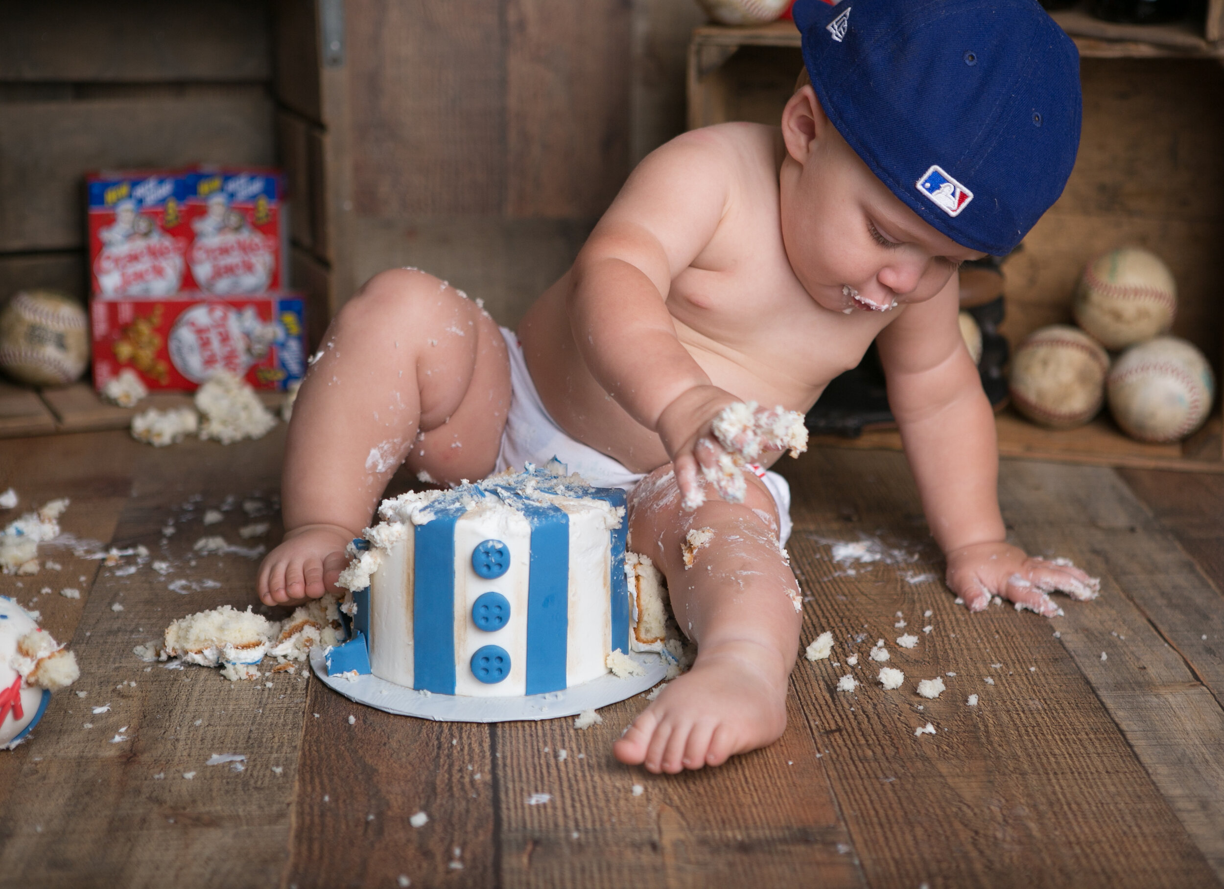 baseball-cake-smash-lytle-san-antonio-texas-photographer-4.jpg