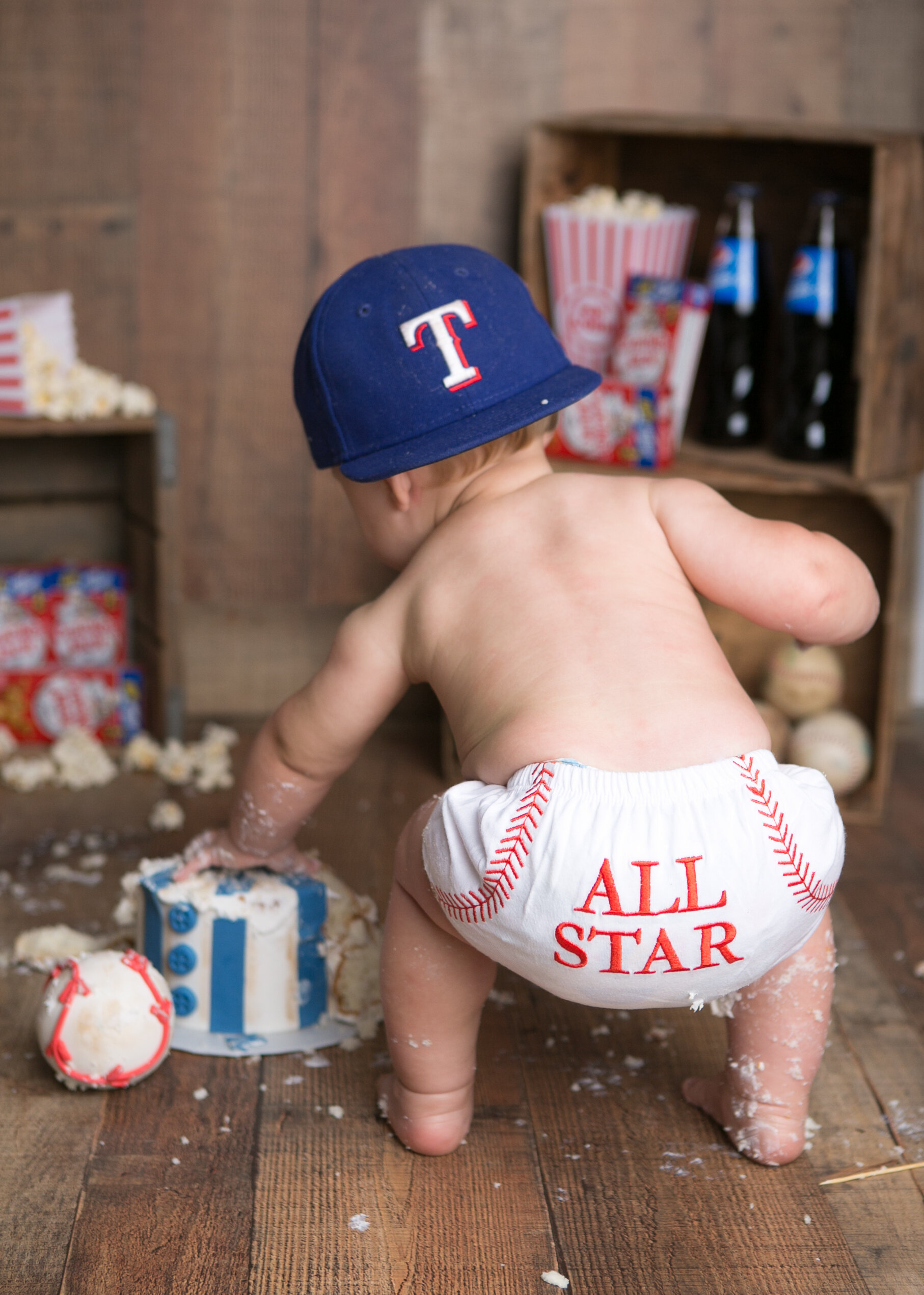 baseball-cake-smash-lytle-san-antonio-texas-photographer-5.jpg