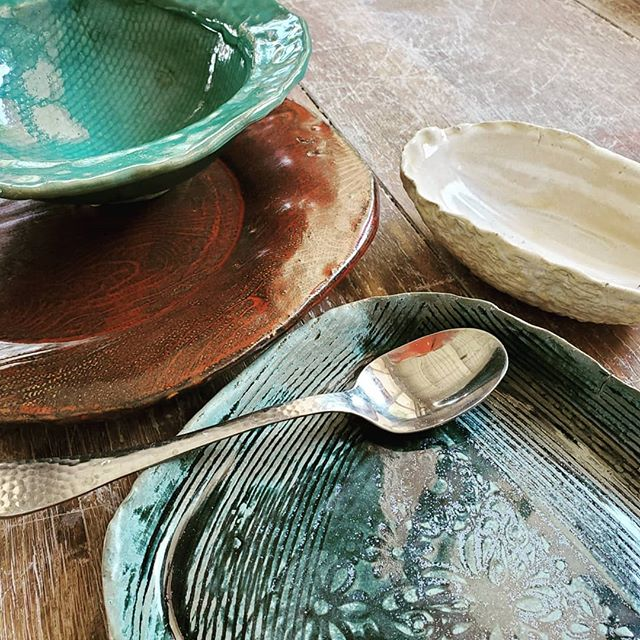 Clay has so much to offer! Our only class dedicated to handbuilding is offered this Saturday. Give it a try and explore texture on tableware! . . . #nhcp #thewheelisoverrated #useyourhands #diy #personalizedplatters #tryclay #ceramics #pottery #learn