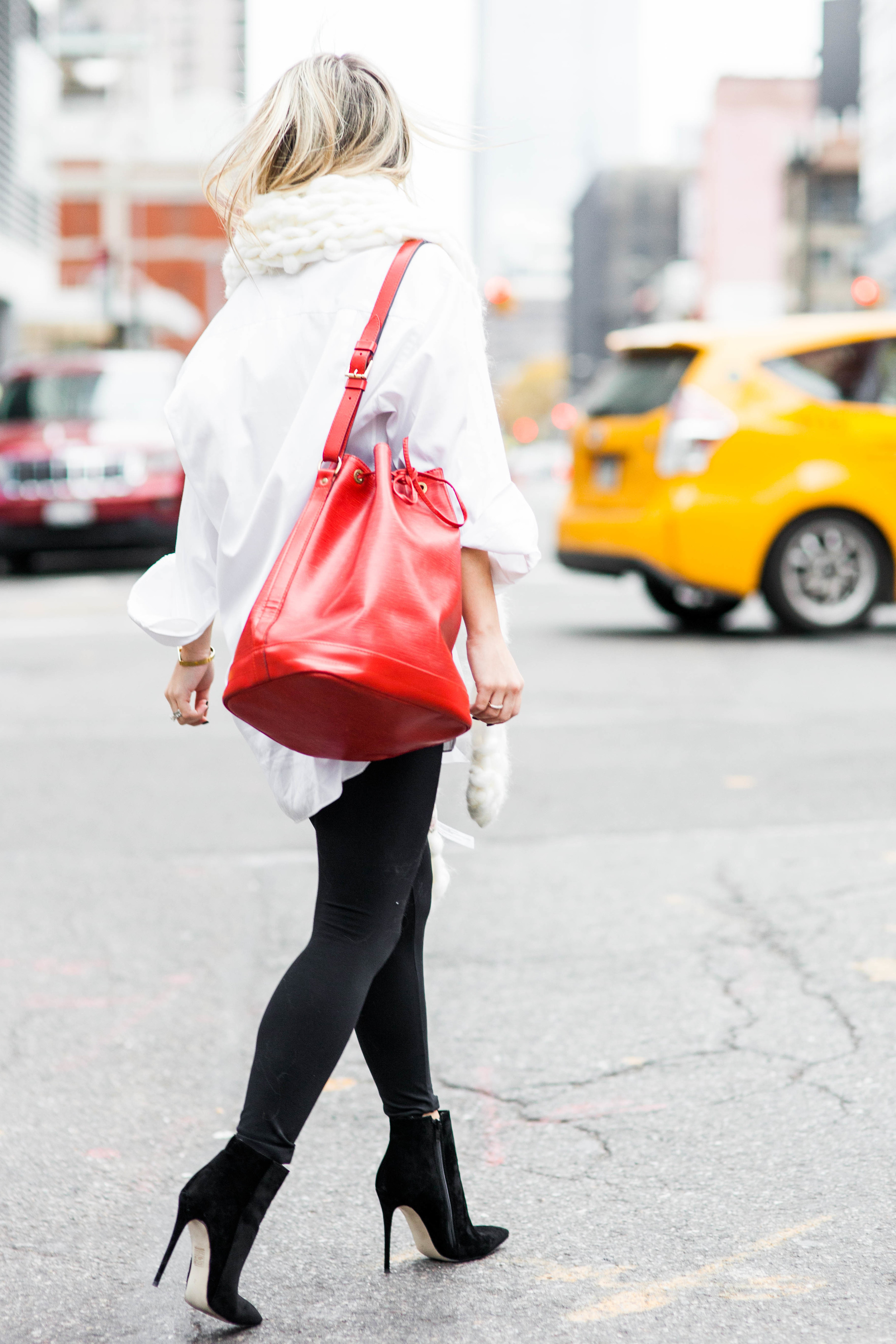 louisvuitton_redbag_trendlee