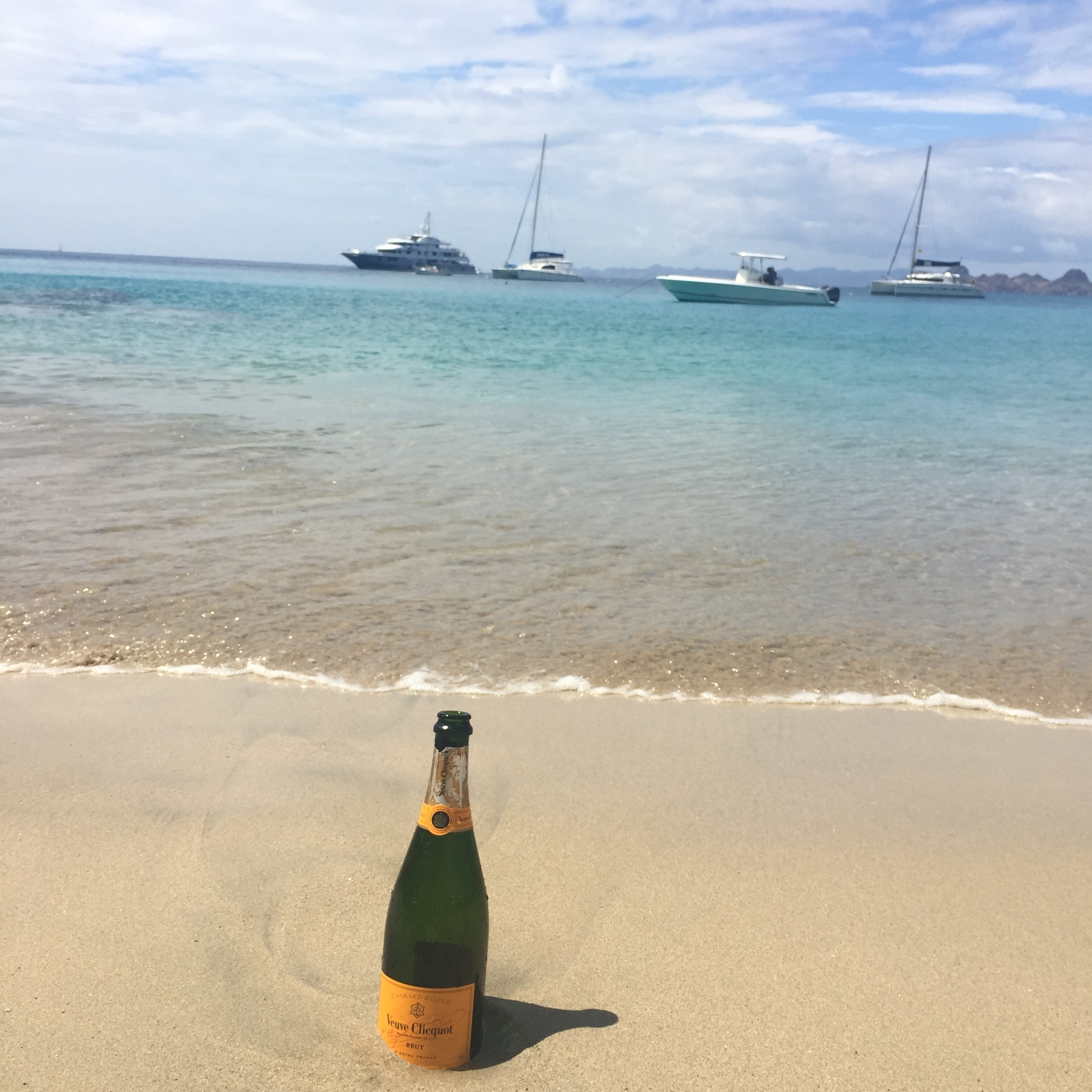 colombier_beach_veuveclicquot