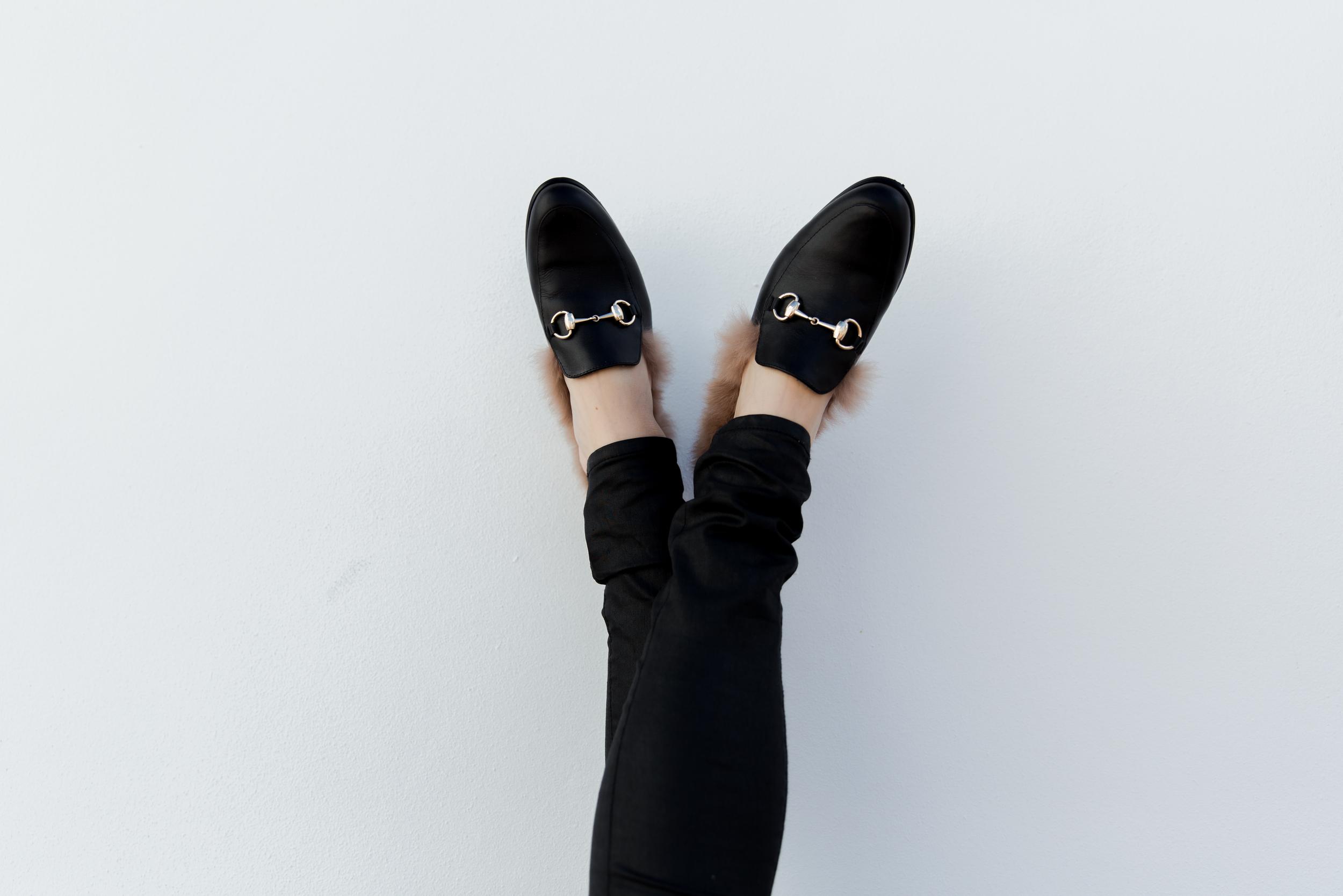 fur_slippers