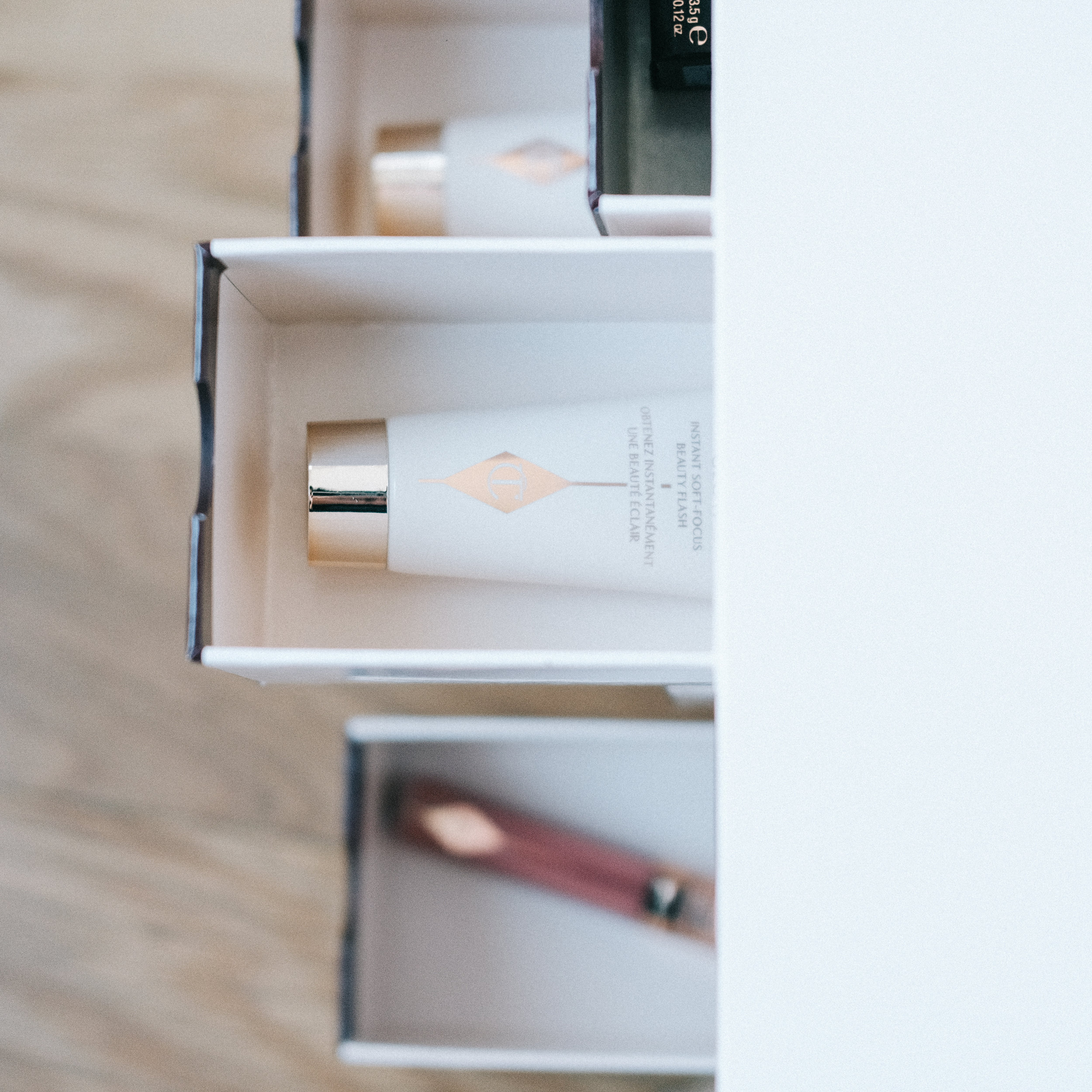 charlotte_tilbury_makeup_gift_set