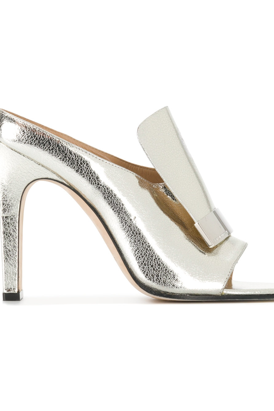 Shop these shoes by clicking on the image or  HERE.