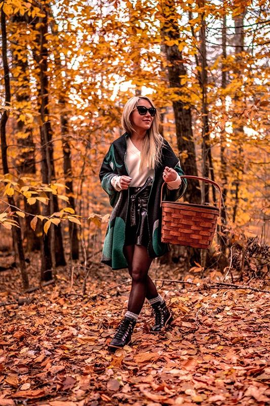 4-winter-wardrobe-staples-2-black-leatherskirt-combat-boots-cashmere-sweater
