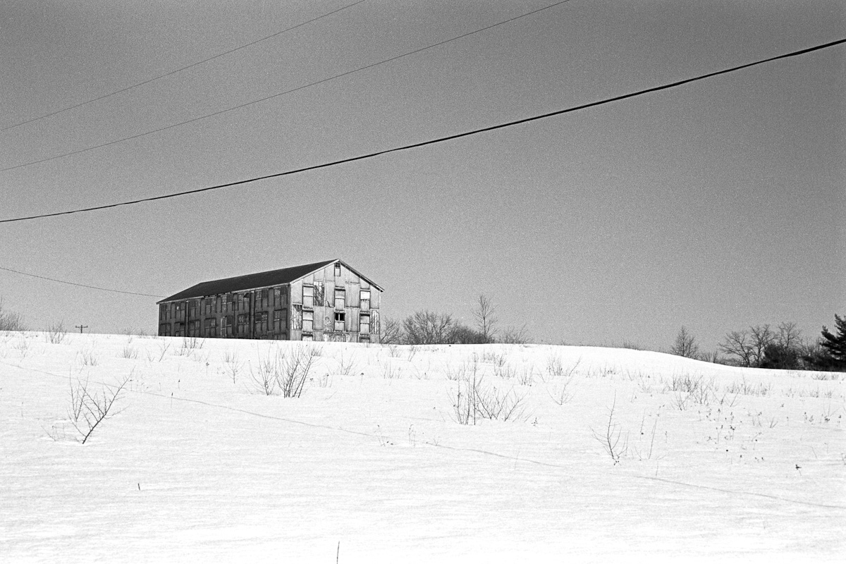 25_distant_barn_lowres.jpg