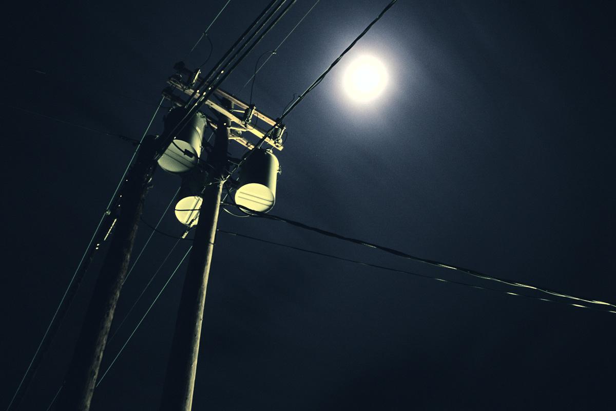 34_lightpole_lowres.jpg