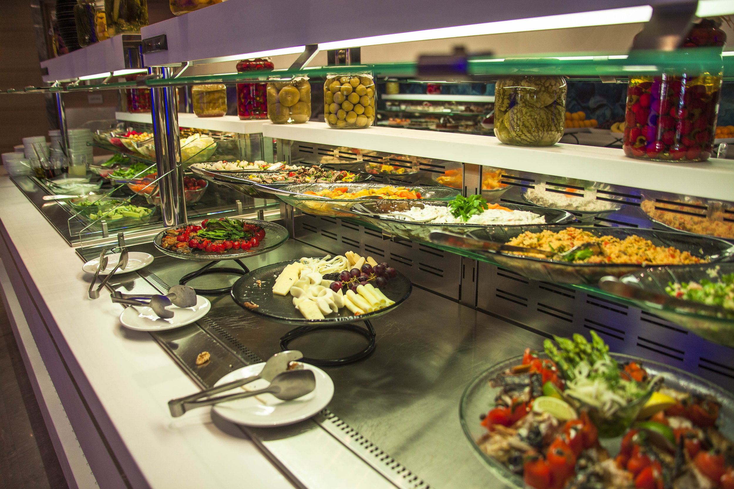 Buffet At the Crowne Plaza - Istanbul