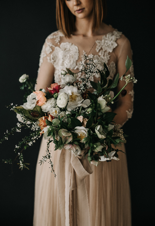 artistic bridal bouquet- selva jess hunter070.jpg