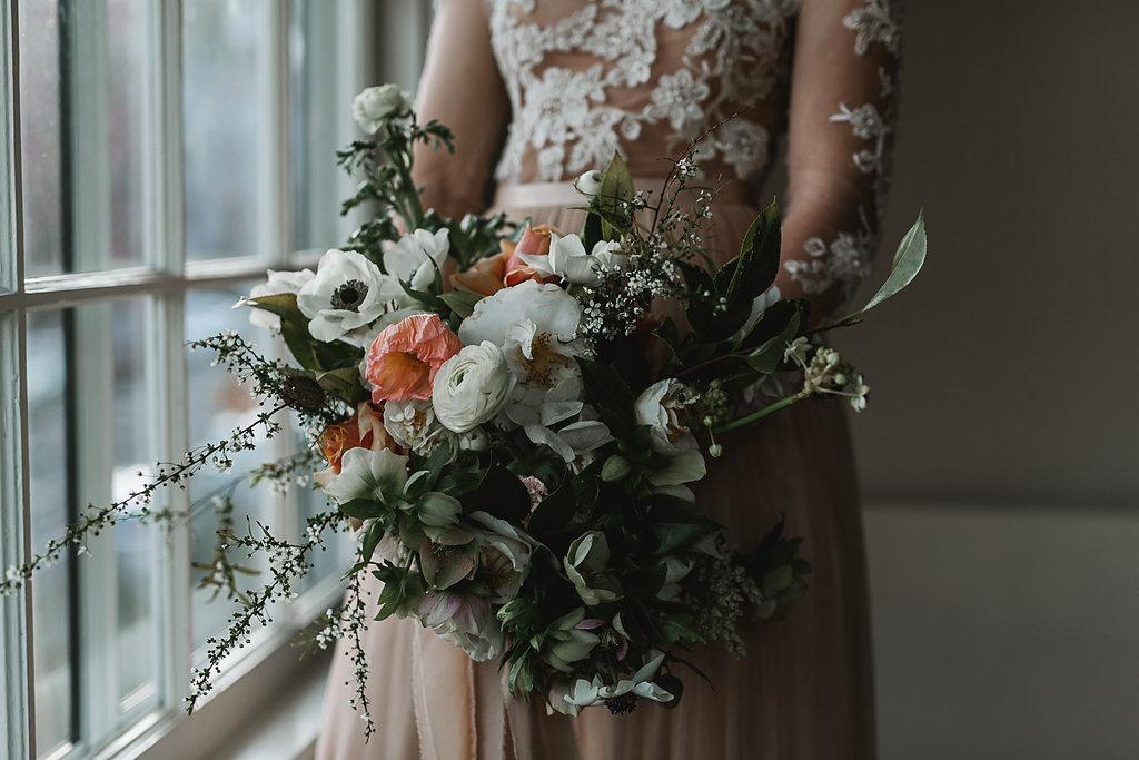 artistic bridal bouquet- selva jess hunter078.jpg