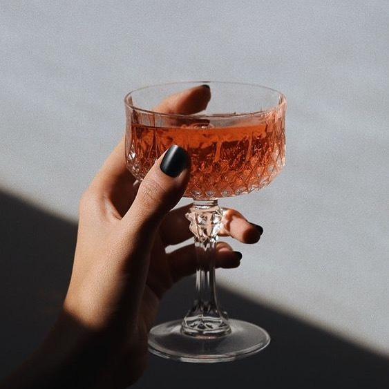 Cheers to Monday, friends! Starting off the week on a bright note with this gorgeous weather! Although to be honest we were kind of getting used to the cooler fall temperatures😬 Are you grateful for this extra burst of warm weather?☀️ .⠀⠀ .⠀⠀ .⠀⠀ .⠀⠀ #stjames1868 #milwaukeeevent #milwaukeevenue #milwaukeeweddings #eventspace #mke #weddingvenue #marriedinmilwaukee #mimfamily #milwaukeeweddingvenues #milwaukeeweddingvendors #dearMKE #entrepreneurlife #marquettecampus #royalwedding