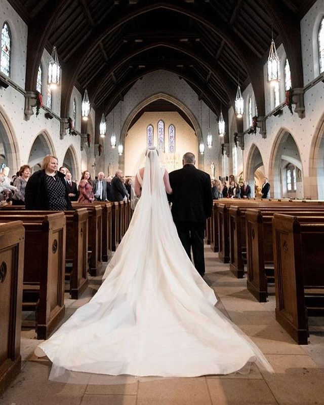 One of our brides' and grooms' favorite things about the Abbey is the ability to get a church feel for a wedding without having a specific religious commitment. Love is love is love, and all are welcome here❤️⁠⠀ .⠀⁠⠀ .⠀⁠⠀ .⠀⁠⠀ .⠀⁠⠀ #stjames1868 #milwaukeeevent #milwaukeevenue #milwaukeeweddings #eventspace #mke #weddingvenue #marriedinmilwaukee #mimfamily #milwaukeeweddingvenues #milwaukeeweddingvendors #dearMKE #entrepreneurlife #marquettecampus #royalwedding