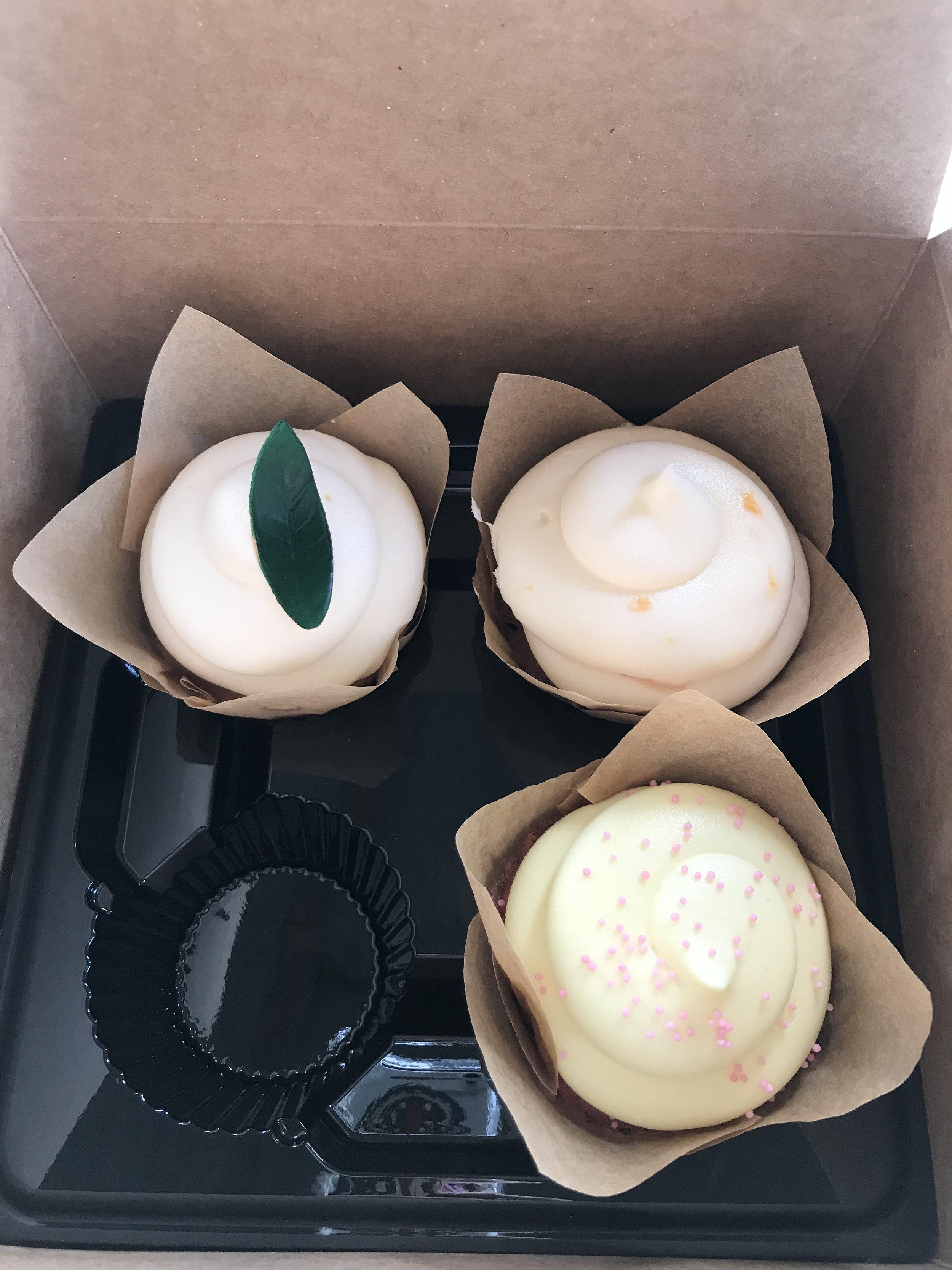 Cupcakes!! Mmmm.