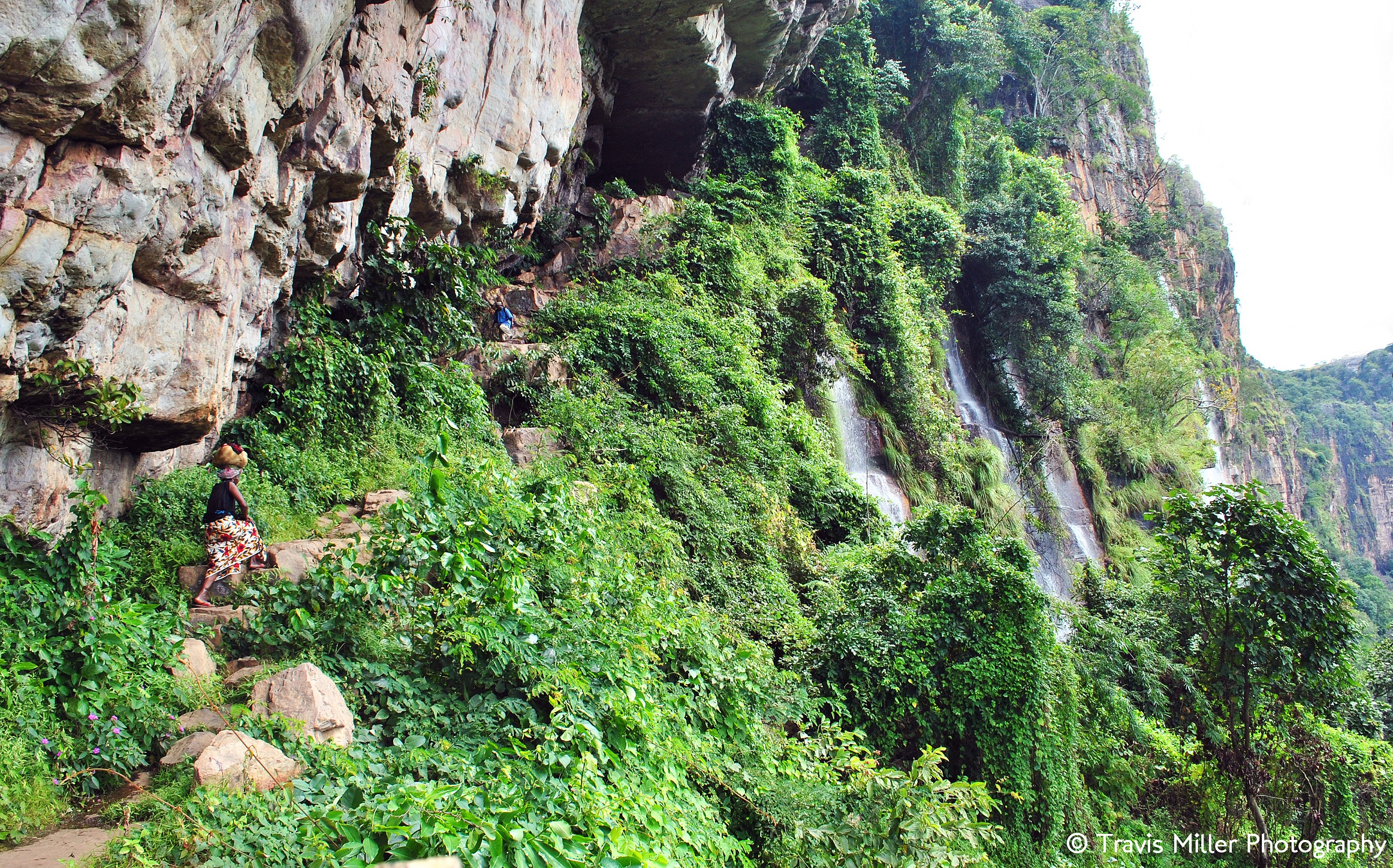 The Hills are Weeping /  Doucki, Guinea
