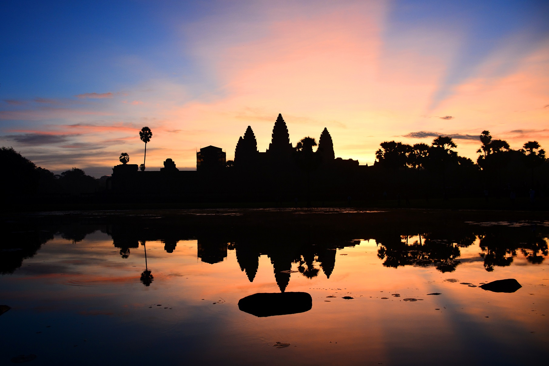 Angor Wat at sunrise.jpg