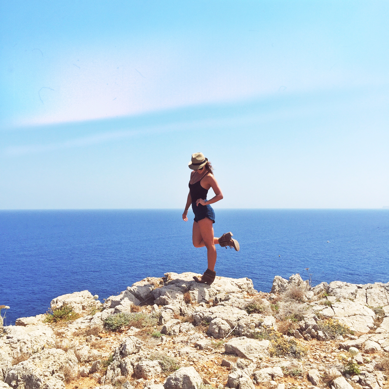 Mariella Tank + Hot shorts + Boho Boots