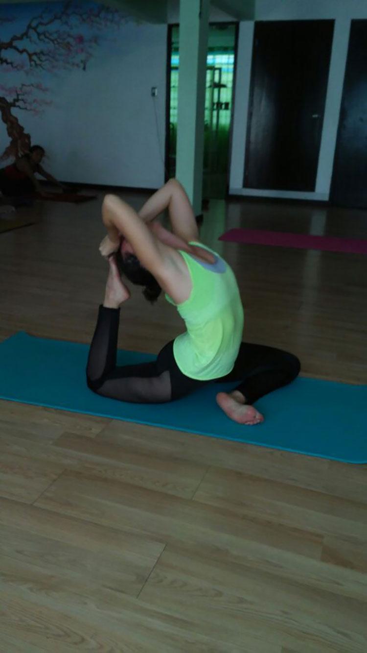 Traveling Yogis Yoga Pose 67.jpg